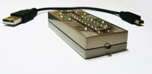 USB-зажигалка с детектором валют
