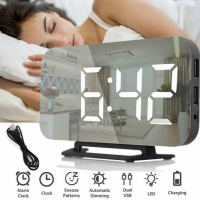 Фото Электронные часы с будильником (зеркальные) белые цифры