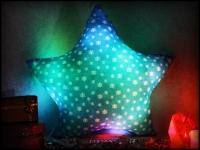 Фото Светящаяся подушка Звездочка со снежинками