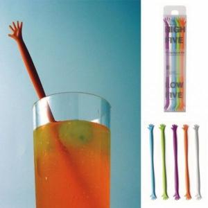 Палочка для напитков - рука утопающего