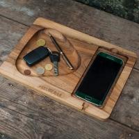 Подставка для телефона из дерева Play