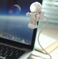 Фото Светильник для ноутбука Космонавт