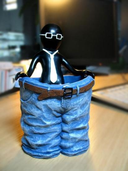 Фото - Подставка для карандашей (MR. P и большие штаны) купить в киеве на подарок, цена, отзывы