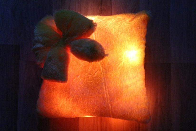 Фото - Светящаяся подушка Гламур с бантиком купить в киеве на подарок, цена, отзывы