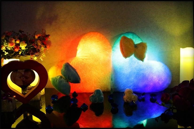 Фото - Светящаяся подушка Сердце с бантиком купить в киеве на подарок, цена, отзывы