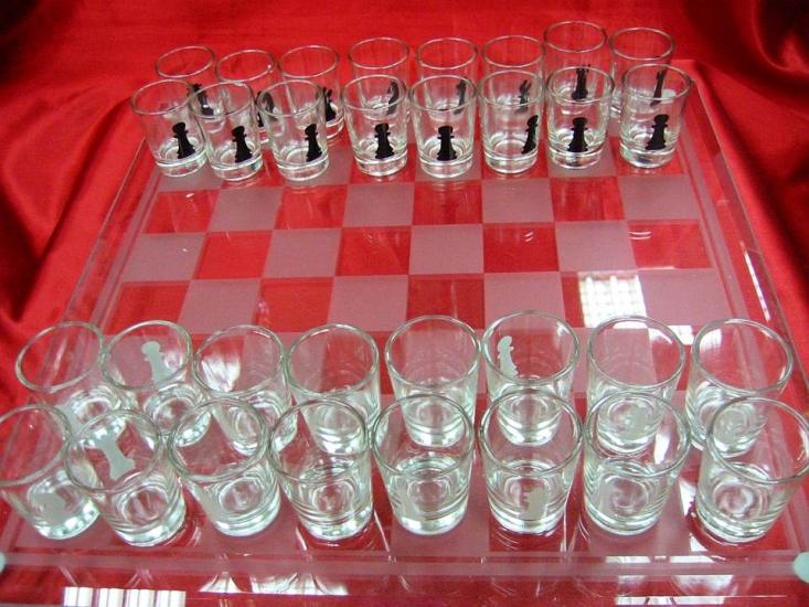 Фото - Шахматы с рюмками большие купить в киеве на подарок, цена, отзывы