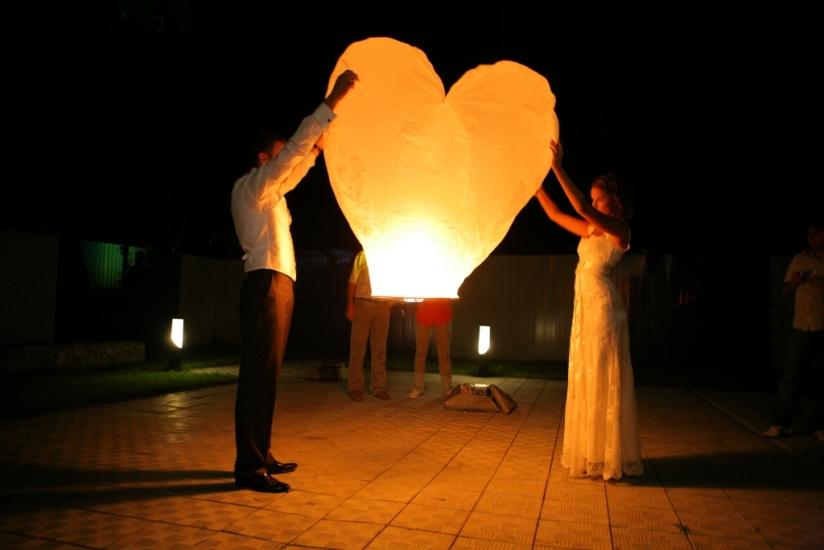 Фото - Небесный фонарик в форме сердца купить в киеве на подарок, цена, отзывы