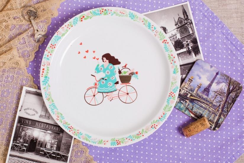Фото - Тарелка Девушка романтик купить в киеве на подарок, цена, отзывы