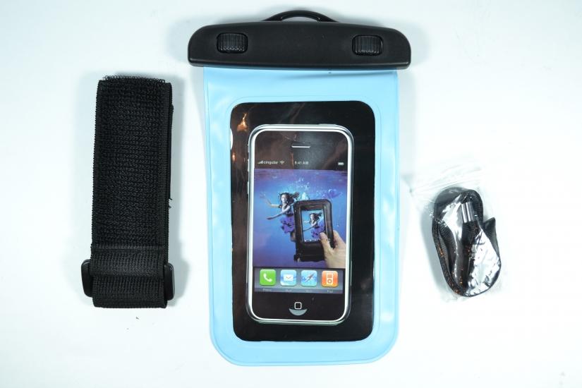 Фото - Водонепроницаемый чехол для телефона Голубой купить в киеве на подарок, цена, отзывы