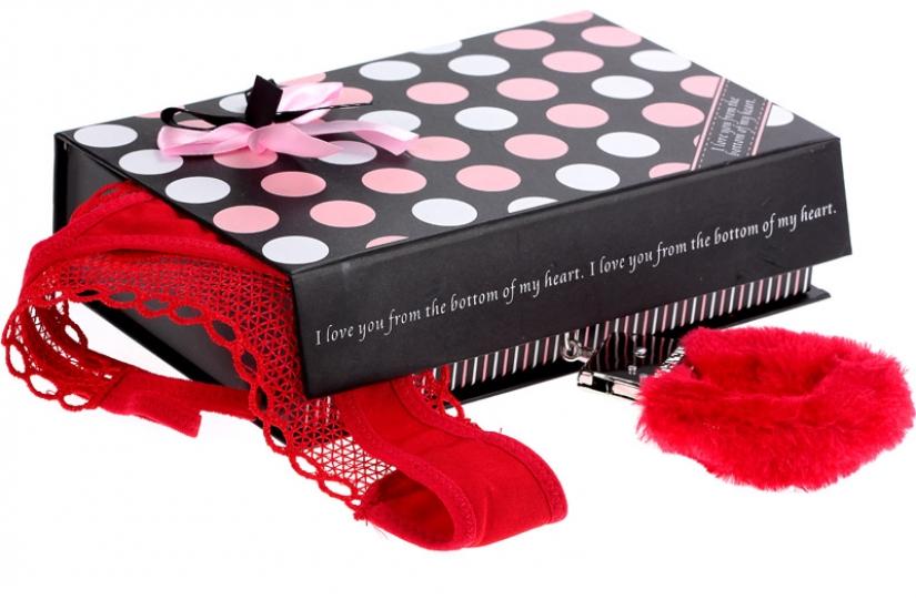 Фото - Наручники и плётка - подарочный набор купить в киеве на подарок, цена, отзывы