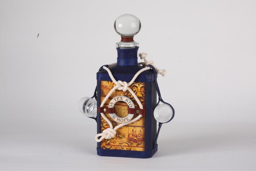 Фото - Графин с декоративным футляром из натуральной кожи купить в киеве на подарок, цена, отзывы