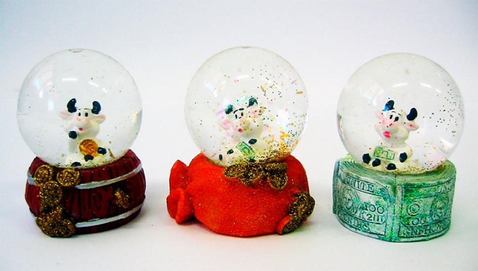 Фото - Стекляный шар со снегом Корова купить в киеве на подарок, цена, отзывы