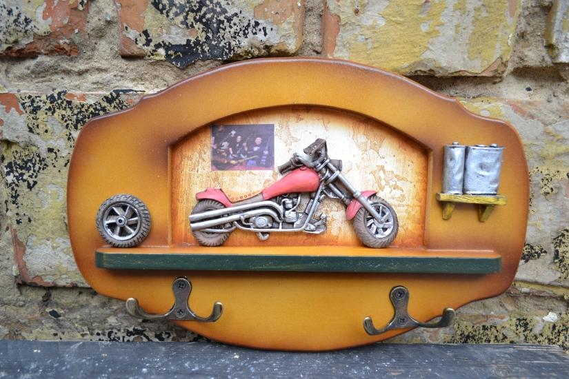 Фото - Ключница Байк на стене купить в киеве на подарок, цена, отзывы