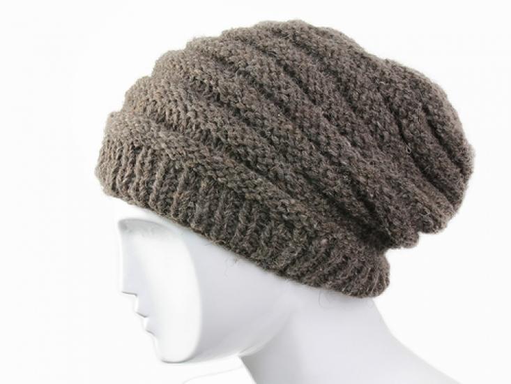 Связать шерстяную женскую шапку