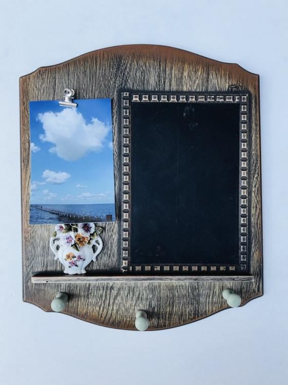 Фото - Ключница настенная с доской для заметок и зажимом под фото купить в киеве на подарок, цена, отзывы