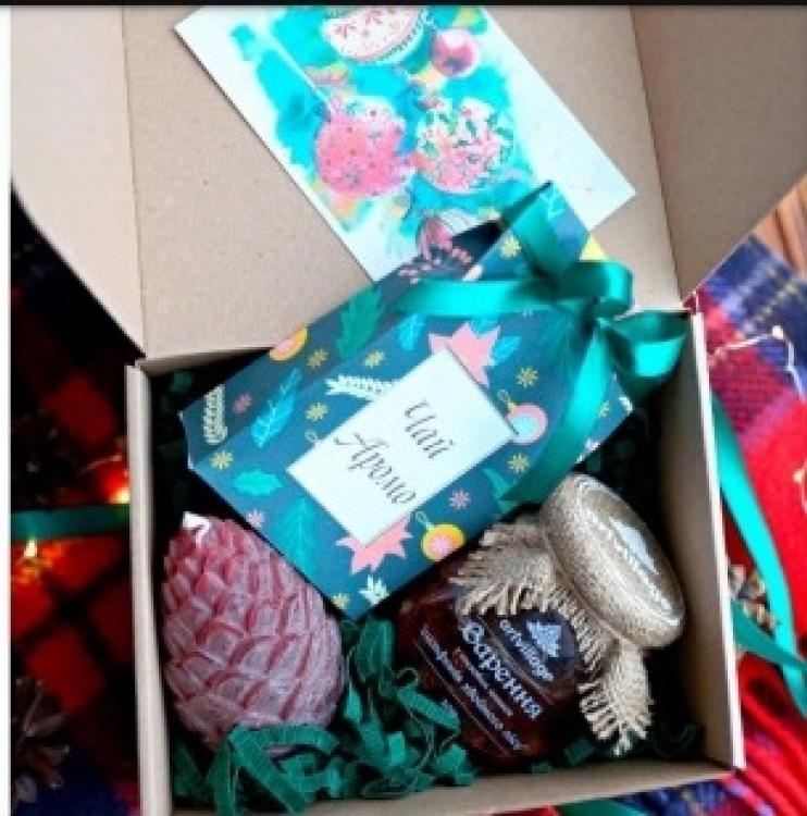 Фото - Подарочный набор Новогодние шишки купить в киеве на подарок, цена, отзывы