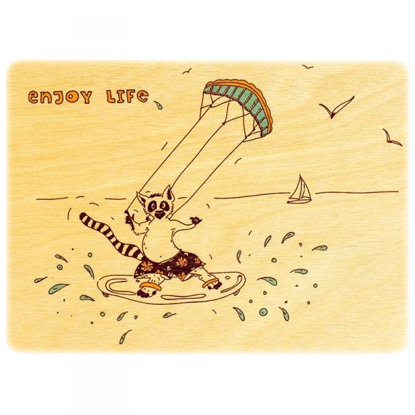 Фото - Деревянная открытка веселый лемур купить в киеве на подарок, цена, отзывы