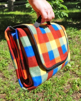 Фото - Коврик для пикника утепленный с непромокаемым дном купить в киеве на подарок, цена, отзывы