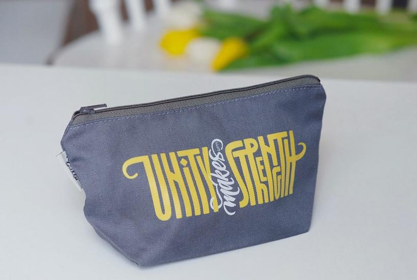 Фото - Косметичка Unity makes strength купить в киеве на подарок, цена, отзывы