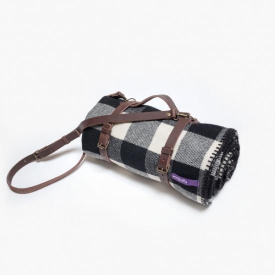 Фото - Плед черно белый с кожаным ремешком купить в киеве на подарок, цена, отзывы