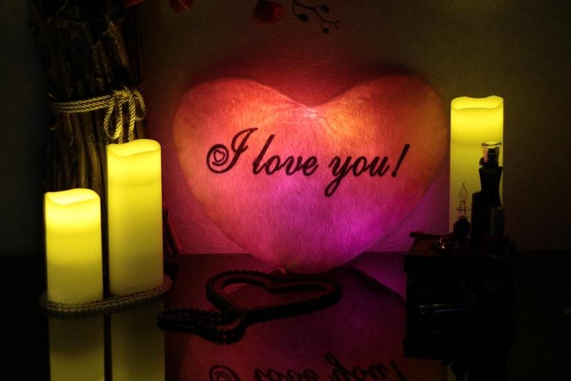 Фото - Светящаяся Подушка  Сердце I love You купить в киеве на подарок, цена, отзывы