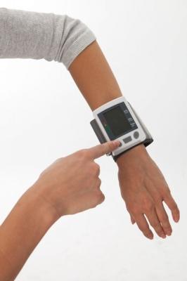 Фото - Тонометр автоматический на запястье СИГМА купить в киеве на подарок, цена, отзывы