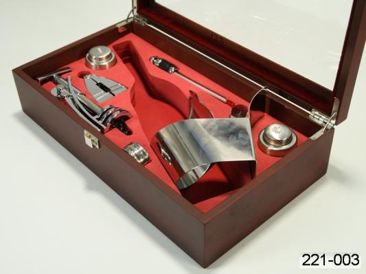Фото - Винный набор с зажимом для бутылки купить в киеве на подарок, цена, отзывы