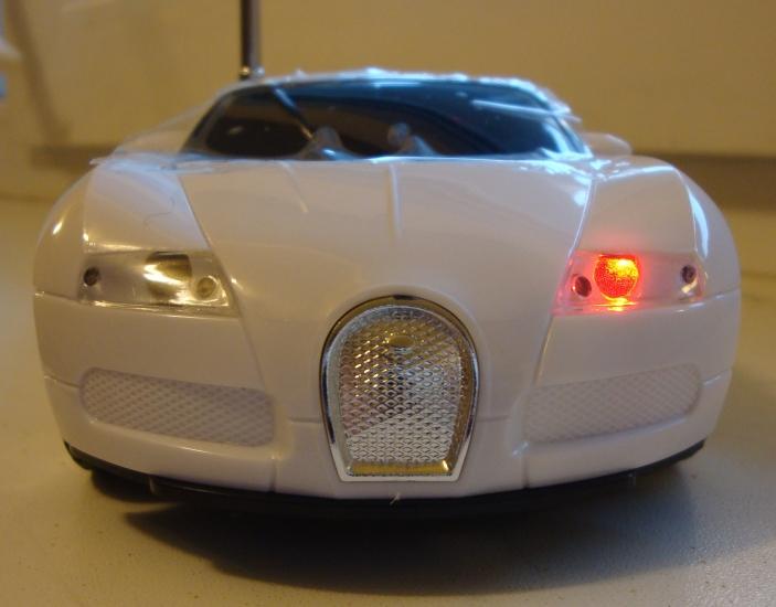Фото - Колонка - Машинка Bugatti Veyron (колонка, плеер, радио) купить в киеве на подарок, цена, отзывы