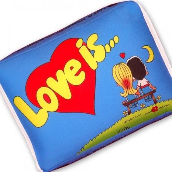 Фото - Подушка Love is купить в киеве на подарок, цена, отзывы