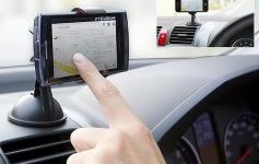 купить Универсальный автомобильный держатель для телефона на липучке цена, отзывы
