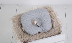 купить Детская подушка для новорожденных с держателем Grey цена, отзывы