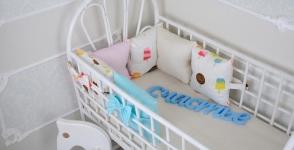 купить Комплект бортиков в кроватку и простынь Мороженое 6 шт. цена, отзывы