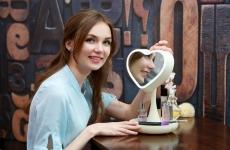 купить Зеркало для макияжа с подсветкой и тайником Сердце White цена, отзывы