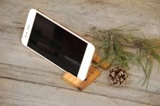 купить Подставка для телефона из дерева Крючок цена, отзывы