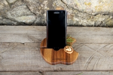 купить Подставка для телефона из дерева Яблоко цена, отзывы