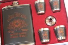 купить Подарочный набор фляга со стопками Jim Beam black-red цена, отзывы