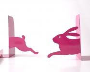 фото 10098  Держатель для книг Бегущий заяц темно-розовый цена, отзывы