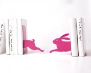 фото 10100  Держатель для книг Бегущий заяц темно-розовый цена, отзывы
