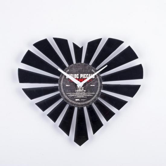 купить Виниловые часы Сердце цена, отзывы