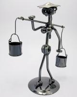 Техно арт девушка с коромыслом металл 20,5Х12,5Х8,5 см