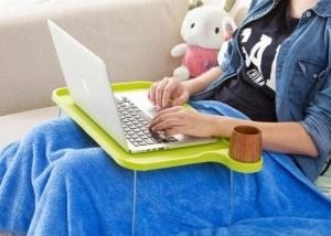 Подставка пластиковая для ноутбука на ножках с подстаканником (зеленый)