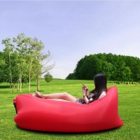 Надувное кресло-лежак красное