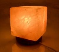 Соляная лампа куб 28см
