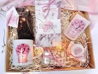 Фото Подарочный набор для девушки Пионы