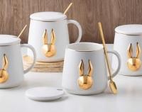 Фото Чашка Золотой зайка с крышкой и ложкой