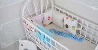Комплект бортиков в кроватку и простынь Мороженое 6 шт.